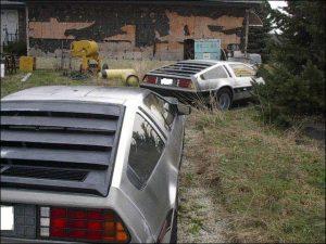 3 Deloreans on a Farm - 005