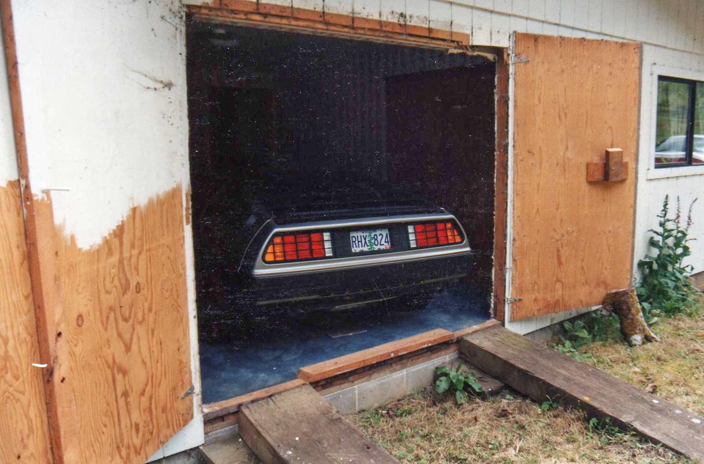 The DeLorean in the bedroom   DeLoreanDirectory.com